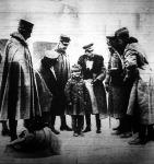Olasz fiúcska német katonaruhában