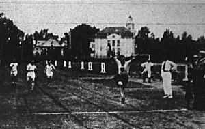 Krepuska Géza 11.2 mp alatt győz a 100 m-es síkfutásban