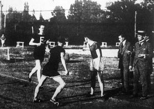 Az 5x1500 méteres bajnoki staféta második váltása Wurm-Stefánia-Jónás-Fonyó