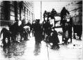 Ingyen faosztás az utcán 1919-ben