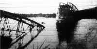 A románok által lerombolt tokaj-rakamazi Tisza-hid