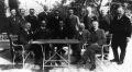 Az ülő sorban balról az első Rubinek Gyula
