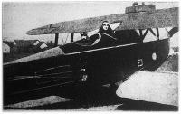 Hegedüs Lóránt pénzügyminiszter repülőgépen - indulás előtt