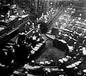 A miniszterelnök bejelenti a francia kamrában, hogy a szövetségesek erélyesen fellépnek Németországgal szemben