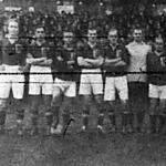 A magyar válogatott Orth, Braun, Fogl II, Mandl, Schlosser, Zsák, Kertész II., Obitz, Jeny, Molnár, Blum