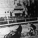 Brummert és vezetője Max Jungnickel verseny közben