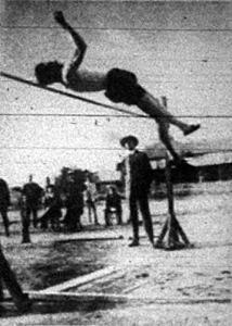 Gáspár Jenő 186 cm ugrással nyeri a magasugrást