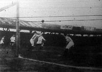 MTK támadása az Aarhus csapata ellen