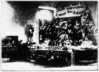 A Baross Szövetség árumintavására Pécsett (a Hangya Ipar r.-t. kiállítása)
