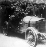 Hermann Rützler Steyr-gépkocsijával első díjat nyert a svábhegyi versenyen