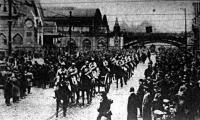 A megszálló francia csapatok bevonulása a Ruhr-vidék fővárosába, Essenbe