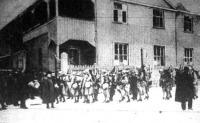 Az esseni német rendőrség francia lefegyverzése