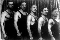 A magyar birkózok akik legyőzték Páris válogatott birkózóit Klotz - Csanádi - Elek - Polgár - Márton