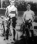 Grimm János (1.) és Mazák (2.)