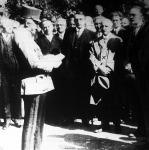József főherceg megnyitja a városligeti Iparcsarnok területén rendezett második Országos Kézművesipari Tárlatot.