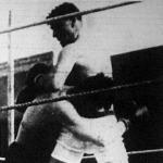 Zsomba (fekete nadrágban) és Ros küzdelme a nagy erőkülönbség ellenére, döntetlenül végződött