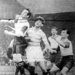 Blum és Molnár küzdelme a labdáért