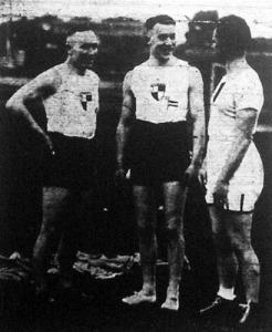 Houben, Schüller és Somfai beszélgetés közben