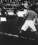 Hungler III. és Dán küzdelme a labdáért