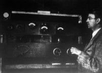 Baird tanár beindítja a televizort