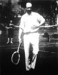 Bethlen István gróf miniszterelnök teniszezik a MAC-pályán (1927.május)