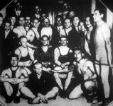 A birkózóbajnokságok döntőjének résztvevői