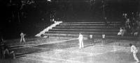Jelenet a Margitszigeten lefolyt magyar-spanyol teniszmérkőzésről