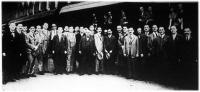 A Budapesti Órásipartestület tagjainak egy nagyobb csoportja tíz napos tanulmányutra Svájcba utazott (indulás előtt a keleti pályaudvaron)