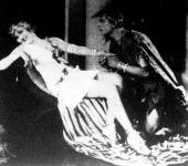 Korda Mária és Ricardo Cortez legújabb filmjének jelenetében