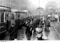 Berlin, villamosmegálló az Alexander strasszén, 1928