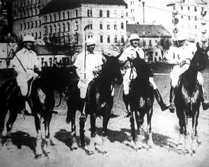 Ifj. Horthy István, Aich huber, ifj. Horthy Miklós és Mr. N. Kearns a kékek csapata