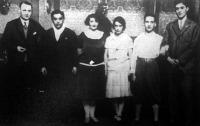 A sikert sikerre halmozó magyar ping-pong csapat Mechlovits, Jacobi dr., Mednyánszky Mária, Sipos Annus, Bellák és Glanz