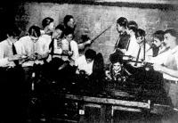 Külföldi diákok ismerkednek a rádióval