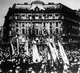 Budapest, Szabadság tér (a március 15-i ünnepélyen készült felvétel)