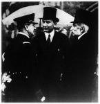 Horthy Miklós kormányzó Zalesky Ágostonnal és herceg Festetich Taszilóval a királyi várkertben rendezett teadélutánon