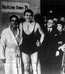 Bárány István Berlinben. Mellette az egyiptomi Simaika a műugras győztese