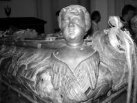 Nagy Károly patinás rézkoporsója