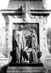 A Lamarck szobor talapzata, az időskori  vak tudós Kornélie nevű lányával