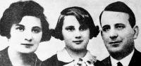 Matuska Szilveszter feleségével és lányával