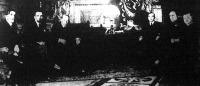 Az angol külügyminiszter Mussolininl. Jobbról balra. Alexander, az angol admiralitás első lordja, Mussolini, Henderson, Graham, angol nagykövet, Grandi, olasz külügyminiszter és az olasz tengerészeti miniszter