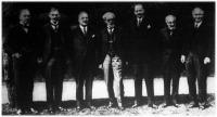 Anglia és Franciaország képviselői a Négy Nagyhatalom dunai konferenciája előtt megbeszélést tartottak a londoni külügyi palotában.