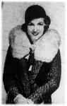 Tweed-kosztüm dupla kézelővel és rókaprém gallérral