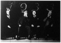 Vajjon mit hoz a dohányfüstből kibontakozó, ismeretlen 1933-as esztendő?