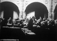 Károlyi Gyula beszél a parlamentben
