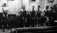 A magyar úszók New Yorkban. A legnagyobb sikere az Európa-bajnok vitéz Halassy Olivérnek volt