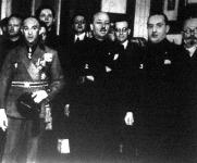 Pignatelli herceg, a budapesti fasiszták vezére (1), Marinetti (2) és Colonna herceg (3), budapesti olasz követ