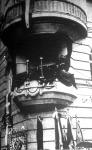 Gömbös a TESz székházának erkélyéről megnyitja a Nemzeti Munkahetet