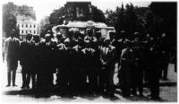 A Faluszövetség olaszországi gazdaifjusági tanulmányutjának résztvevői Budapesten elutazásuk előtt.