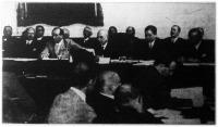A hitelszövetkezetek kongresszusán Beöthy László elnöki megnyitó beszédét mondja.