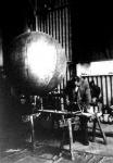 A ballon megtöltését műszerrel ellenőrzik, hogy a hidrogéngáznak elég felhajtóereje legyen a gömb ne pukkanjon idő előtt szét.